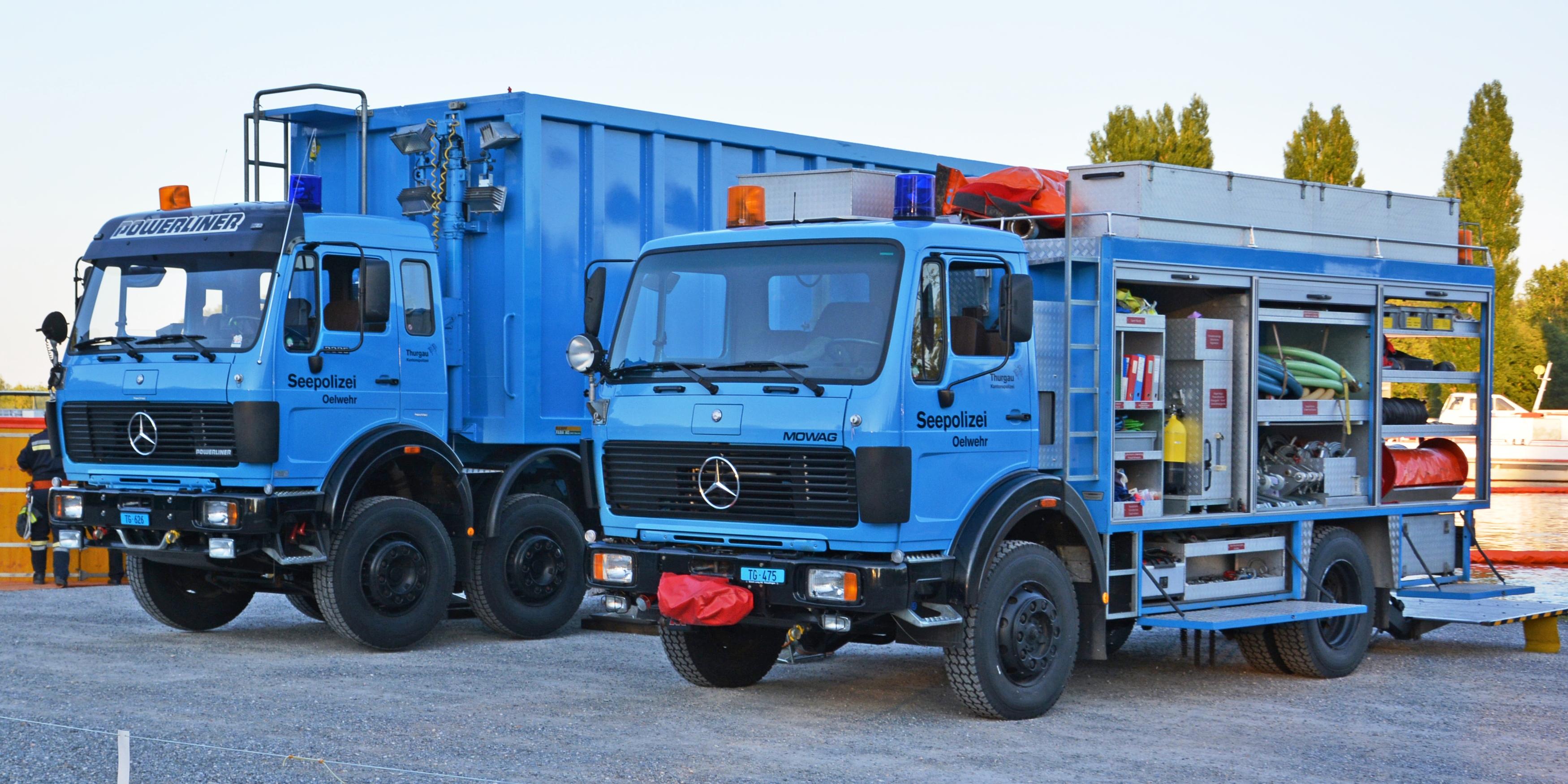 Bild Ölwehr-Fahrzeuge